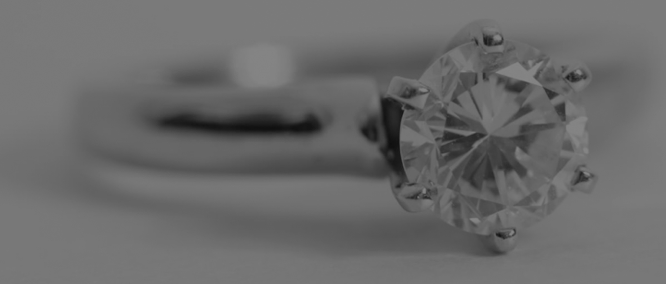Factors-to-consider-for-safe-diamond-shopping