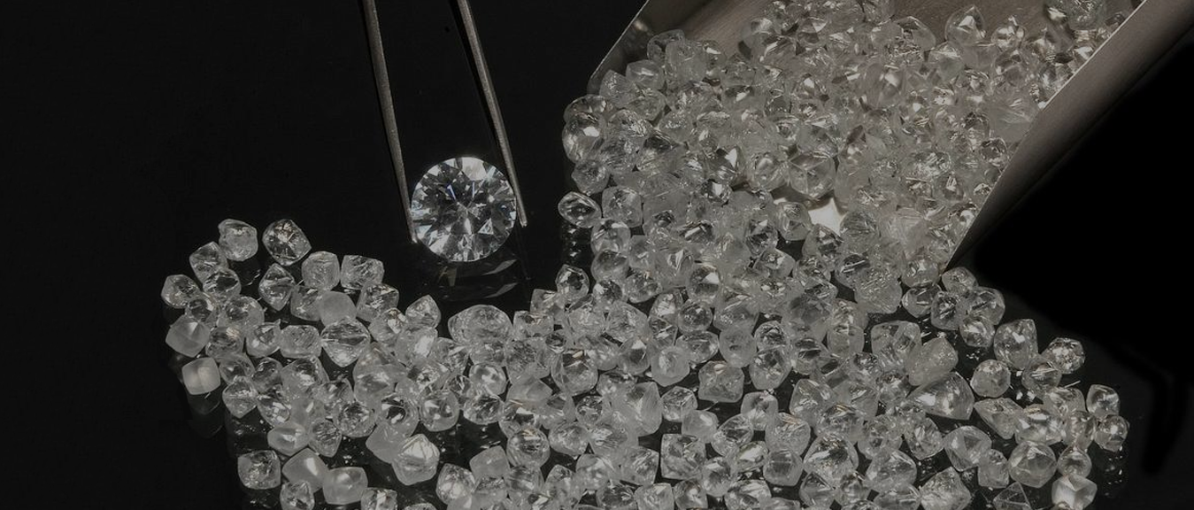 How to detect synthetic diamonds