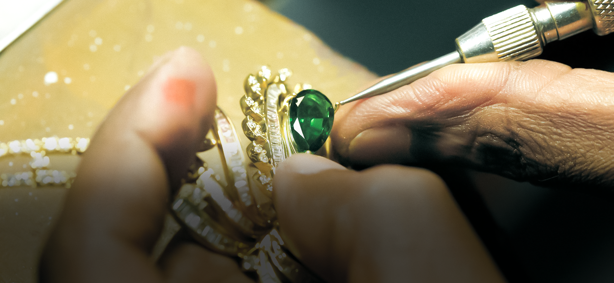 Becoming A Jeweller: Know What Is The Right Role For You In The Industry